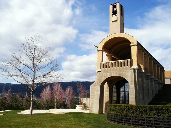 08-mission-hill-winery-tom-kundig